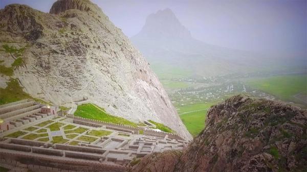 کارت پستال از نخجوان آذربایجان؛ کوه افسانه ای ایلان داغ